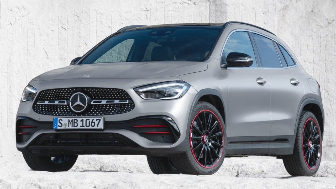 Mercedes-Benz-GLA-2020-olej-turbo-pozar
